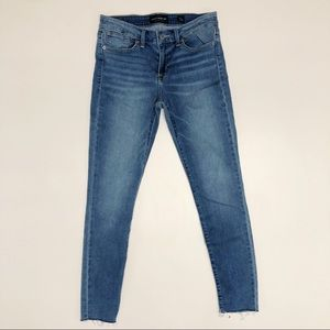 Lucky Brand Stella Raw Hem Skinny Jeans 28